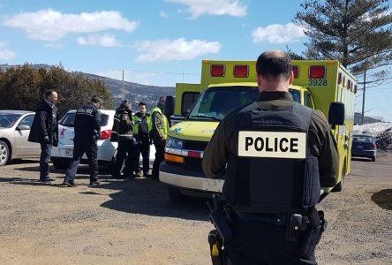 Poursuite policière: la dame de 57 ans pourrait faire face à des accusations