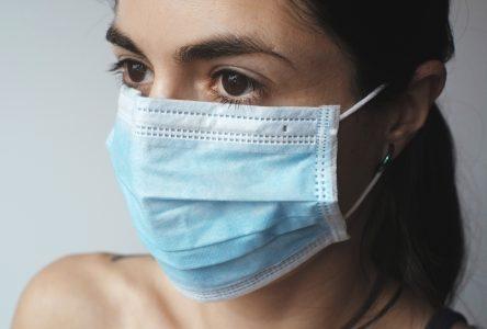 Le masque deviendra obligatoire dans les lieux publics fermés dès samedi