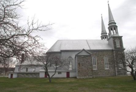 Le stationnement de l'église St-Louis n'acceptera plus les campeurs