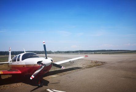 Aéroport de Charlevoix : l'avenir sur la table à dessin pour 32 000$