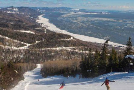 Le Massif de Charlevoix priorise ses abonnés de saison pour l'accès à la montagne