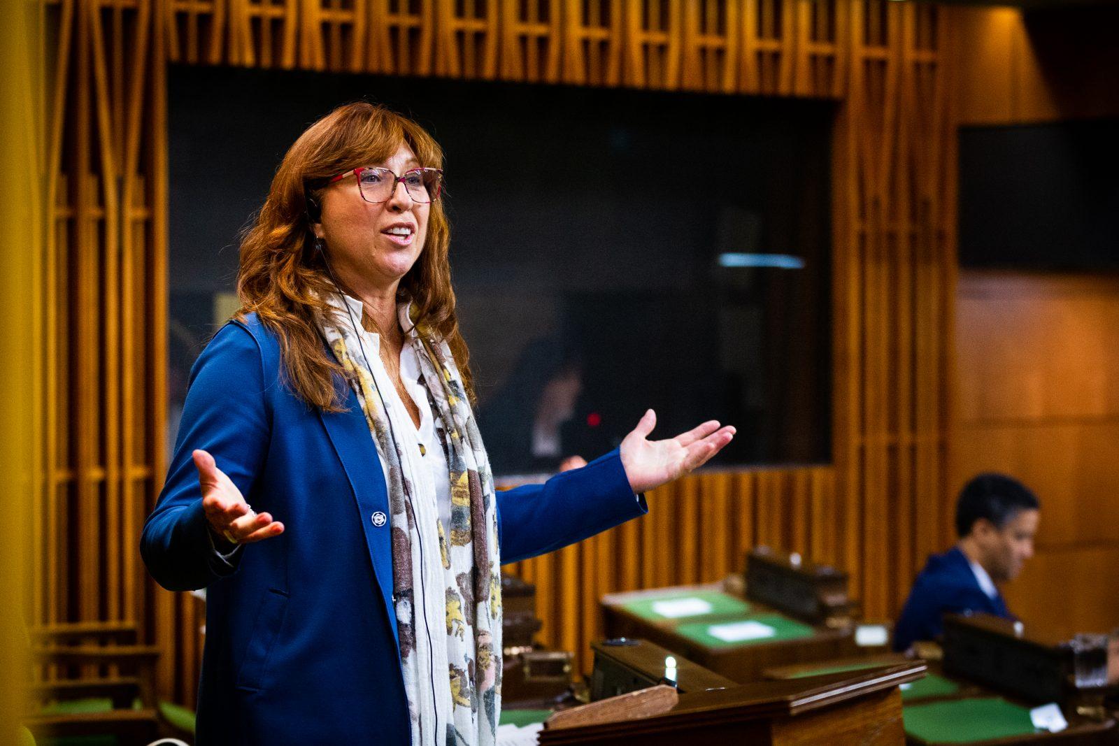 Le Bloc québécois veut étendre la loi 101 aux entreprises de compétence fédérale