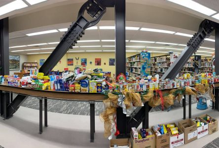 Saint-Aubin donnera des centaines de denrées aux familles dans le besoin