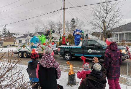(PHOTOS) La première parade de Noël de Clermont en images