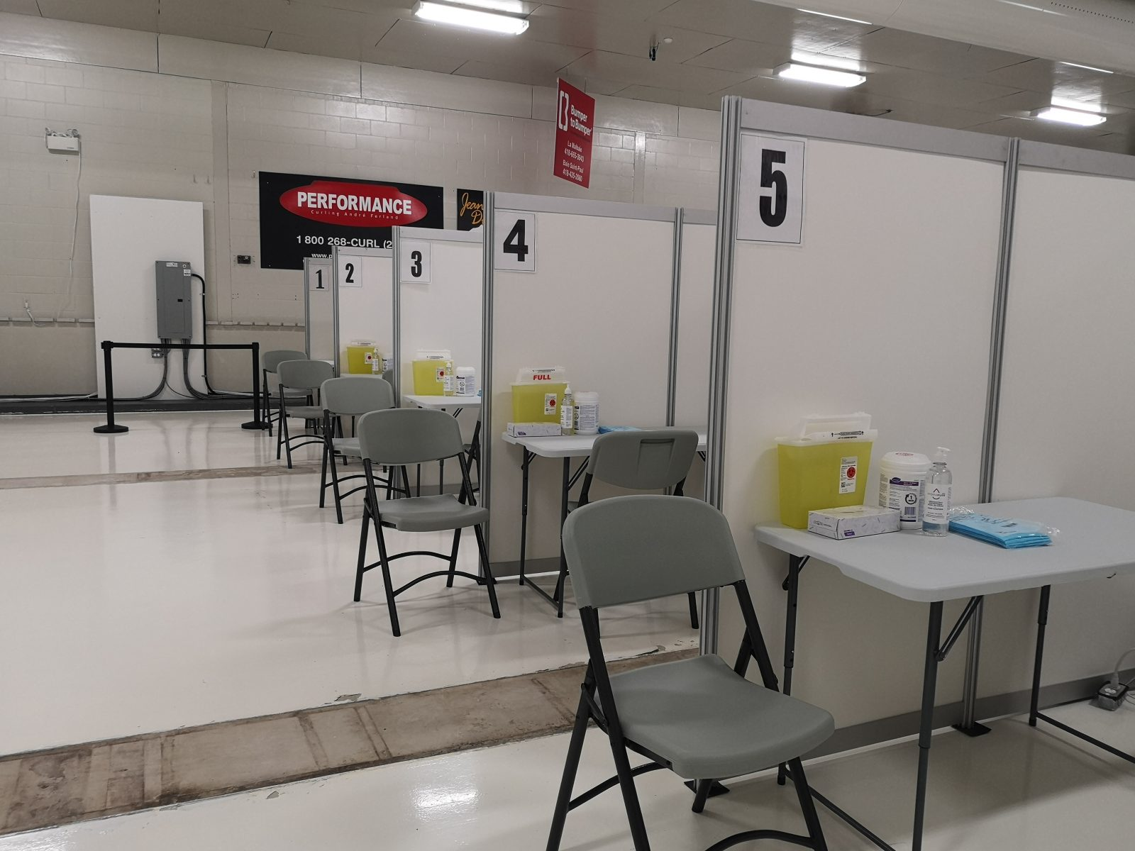 (VIDÉO/PHOTOS) Tour guidé de la première clinique de vaccination de Charlevoix